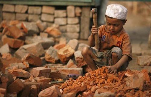 Sử dụng lao động trẻ em dưới 15 tuổi